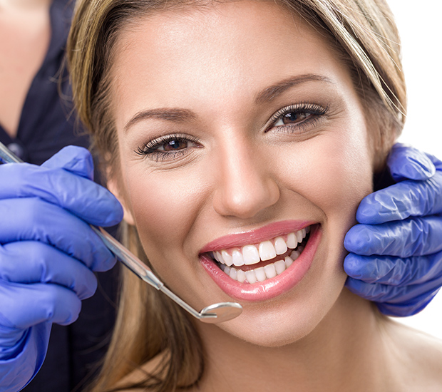 Mobile Teeth Whitening at Dentist